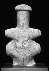 women from lemb statue